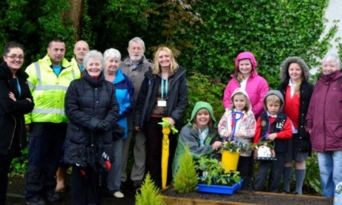 School gardening club help transform estate
